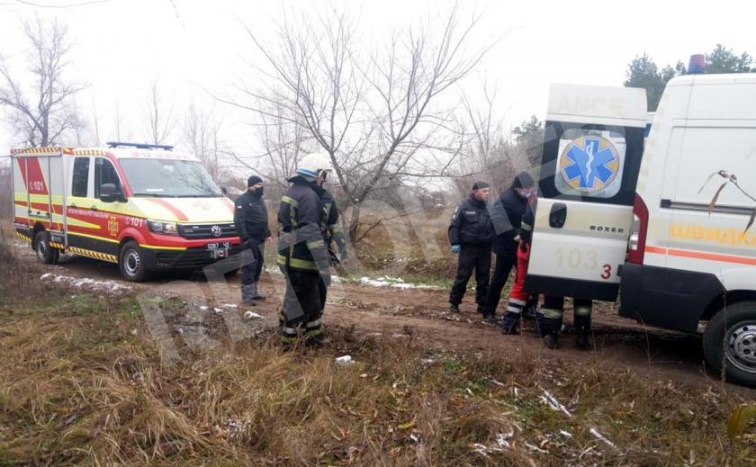 Спасатели вызволили палоградца из 3-метровой ямы в карьере