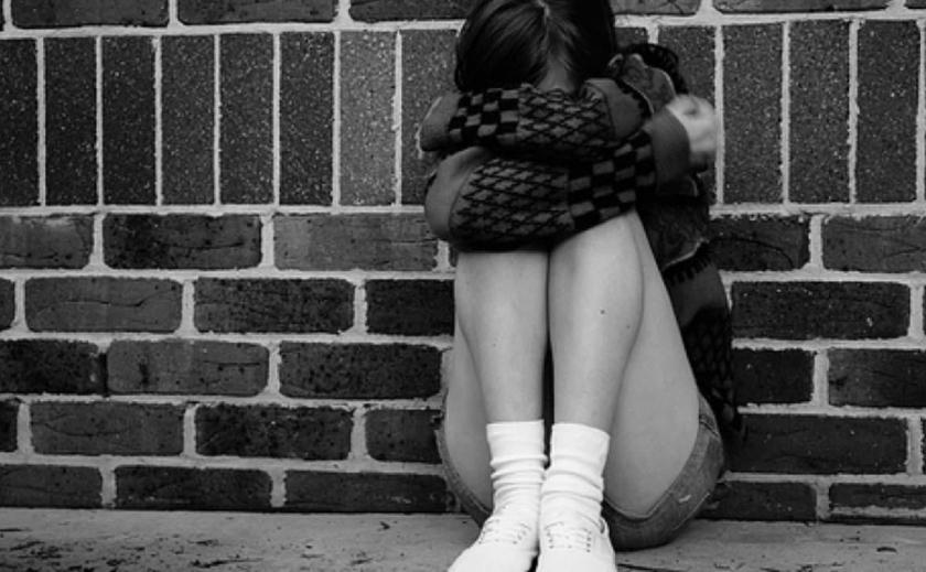 На Днепропетровщине продолжают фиксировать случаи детского суицида: на этот раз 15-летняя школьница