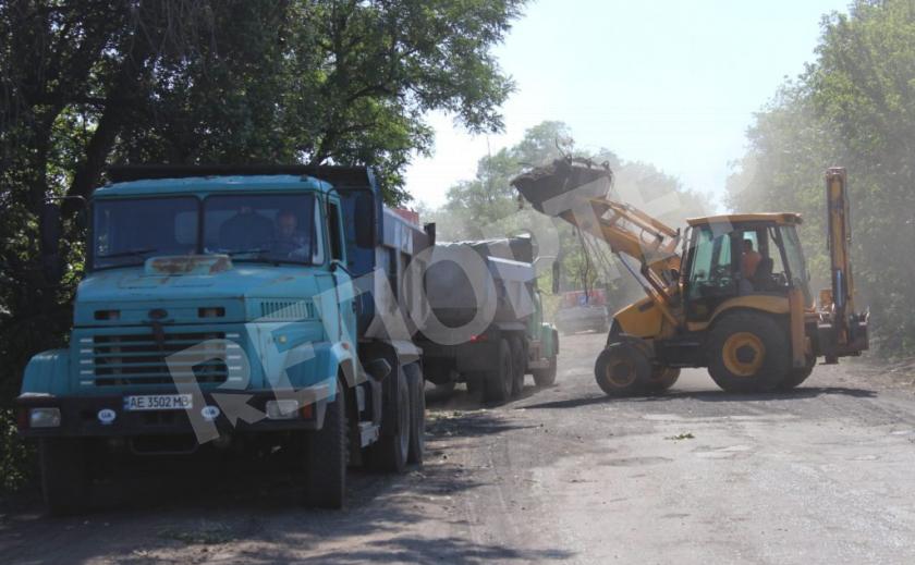 Под Павлоградом строят трассу для шахтеров и энергетиков
