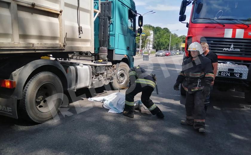 В Павлограде фура насмерть сбила пешехода